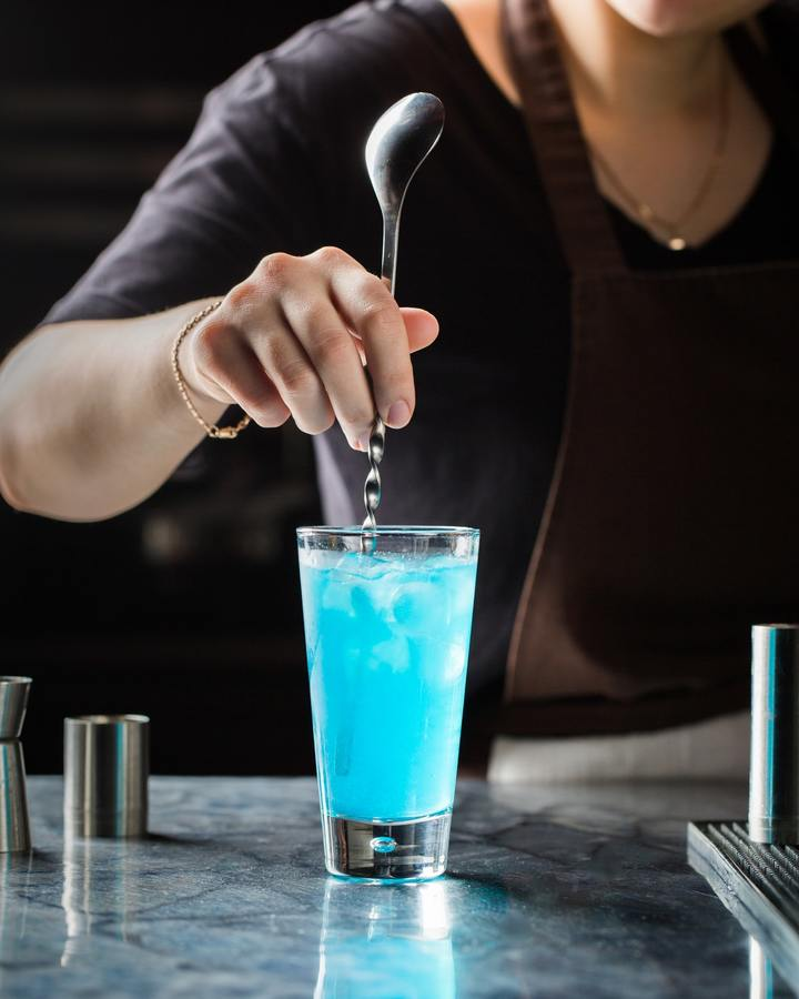 Person Mixing Drink 2611816